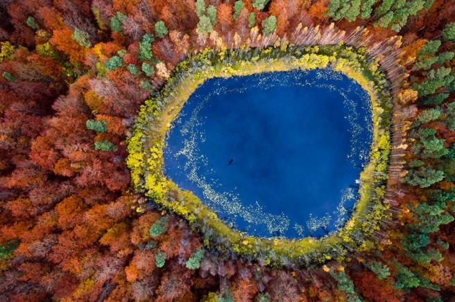 Kacper-Kowalski-SE_Seasons_Autumn_01-1024x681