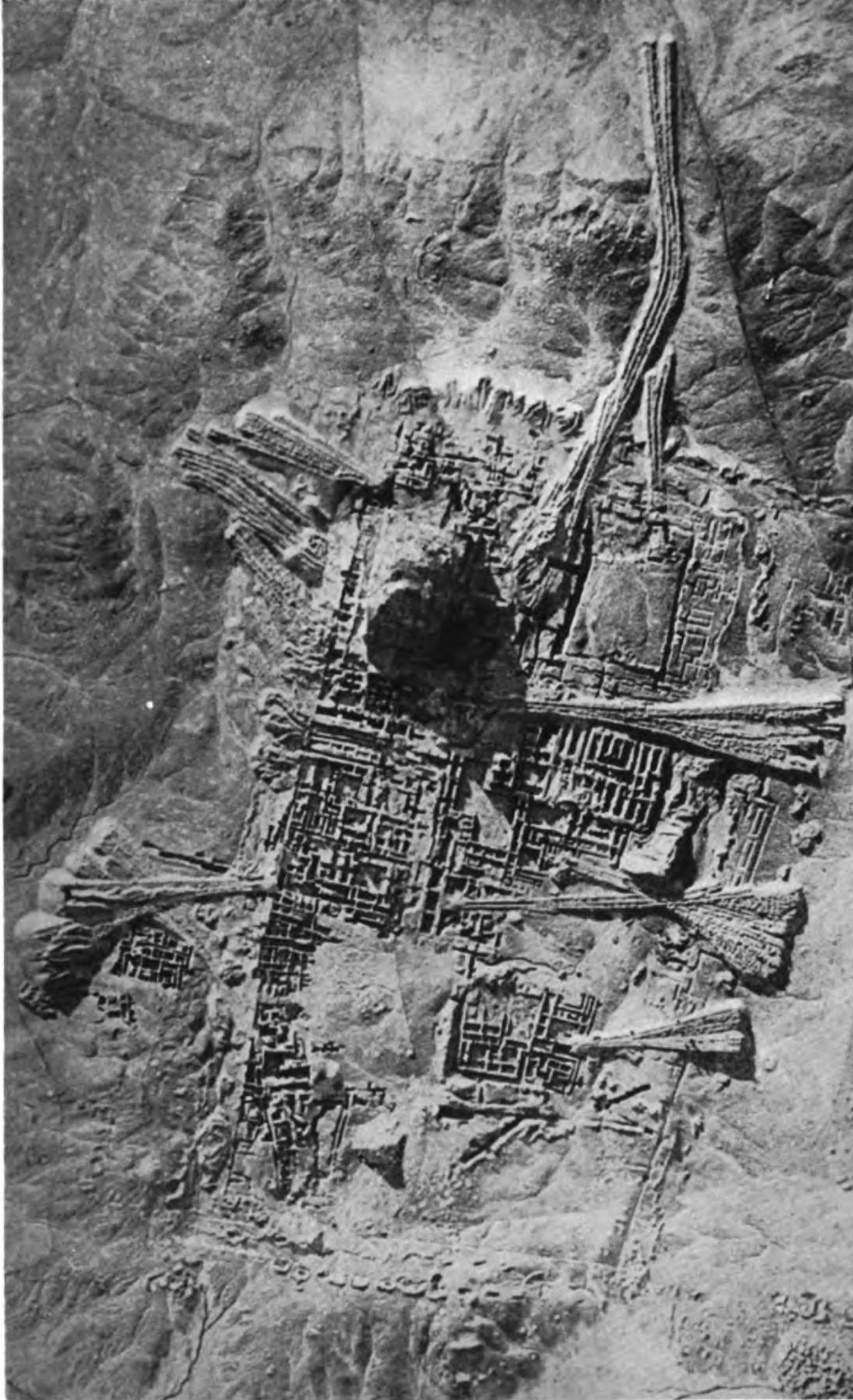Aerial view of Ur, 1927.